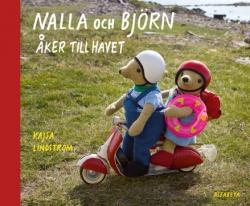 Nalla och Bjorn aker till havet